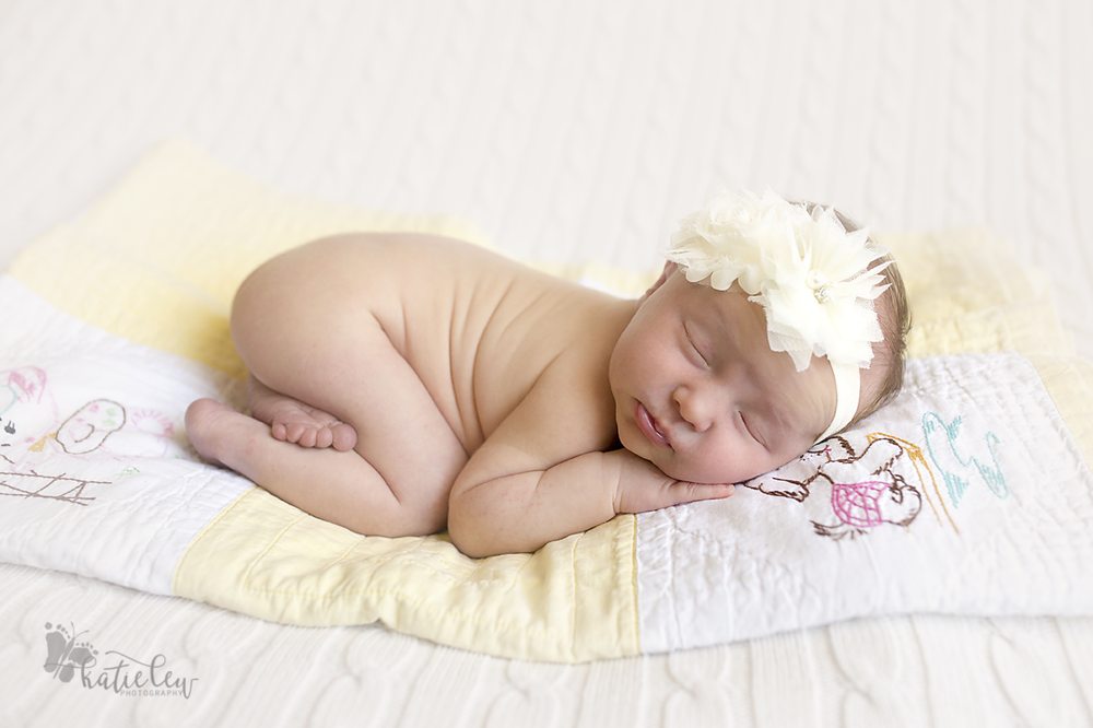 newborn baby girl bum up pose