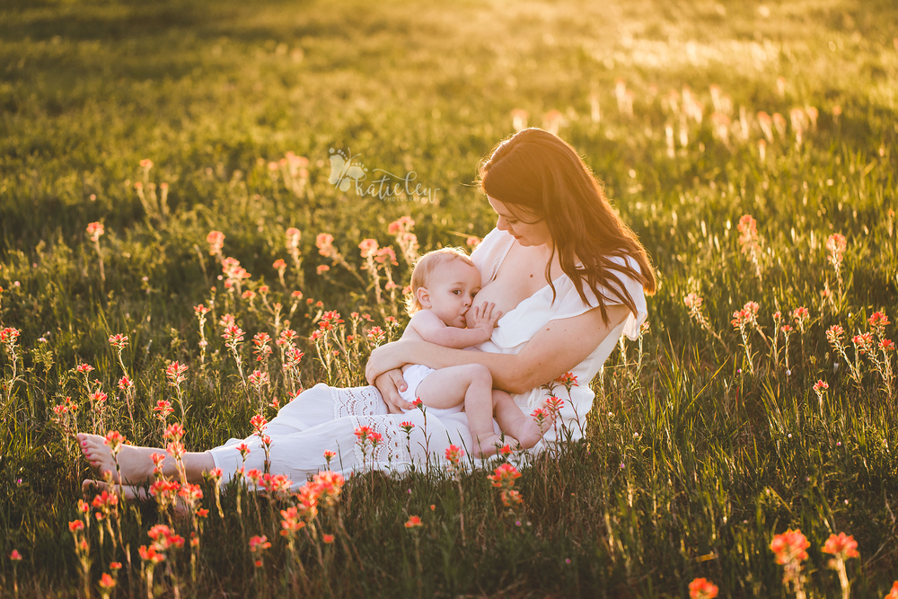 Breastfeeding photoshoot in stillwater, oklahoma