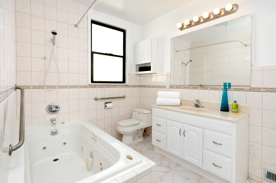 1271 26th Ave 1Bath.jpg