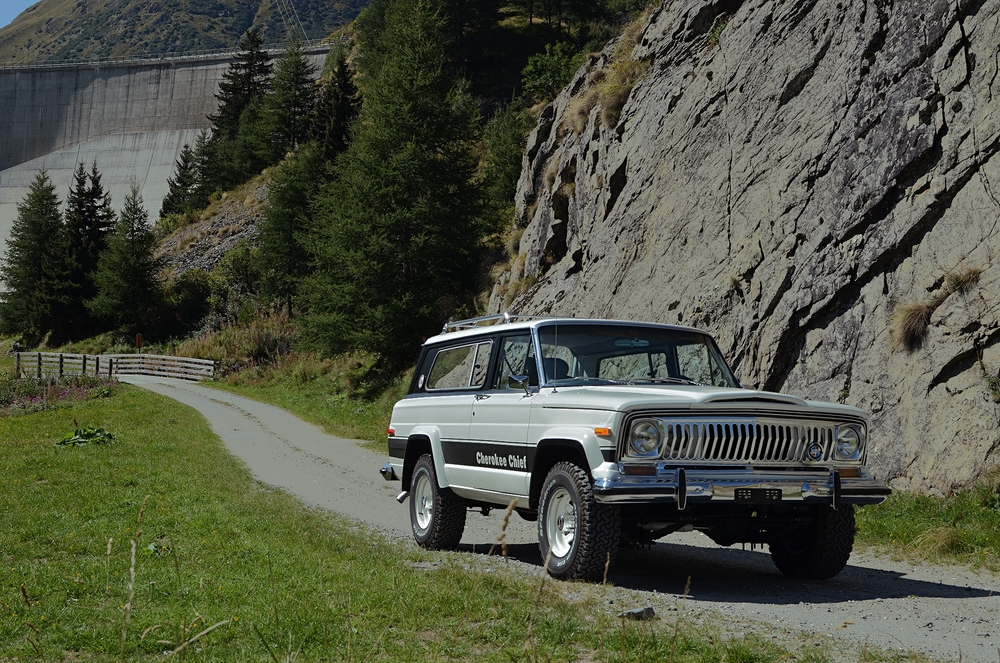 jeep-cherokee-chief-shooting-49_Fotor.jpg