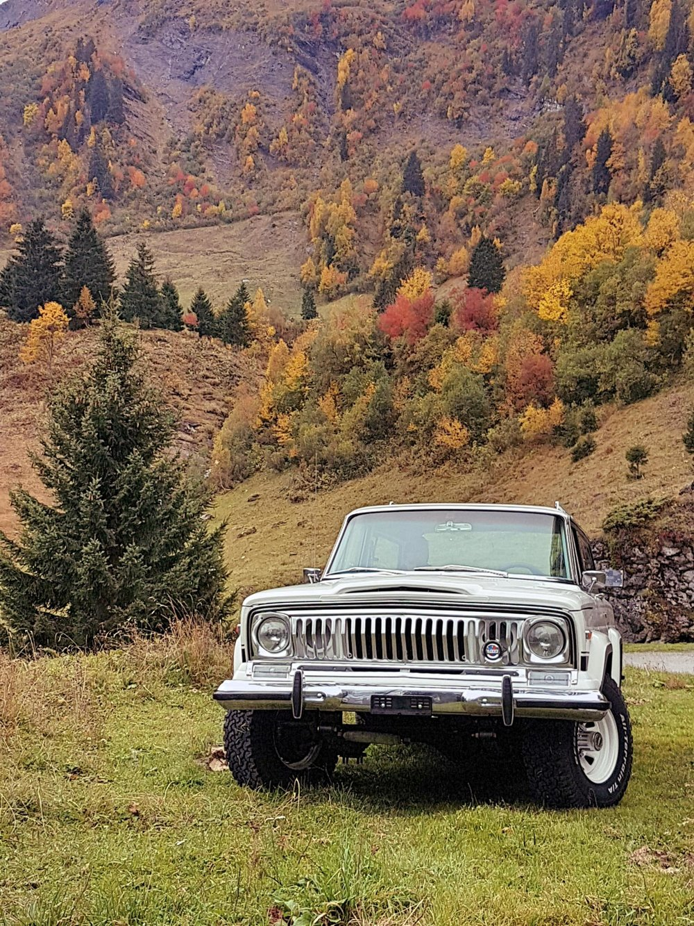 jeep-cherokee-chief-1978-shooting-morgins-switzerland-30.jpg