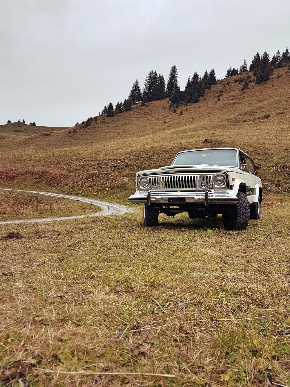 jeep-cherokee-chief-1978-shooting-morgins-switzerland-36.jpg