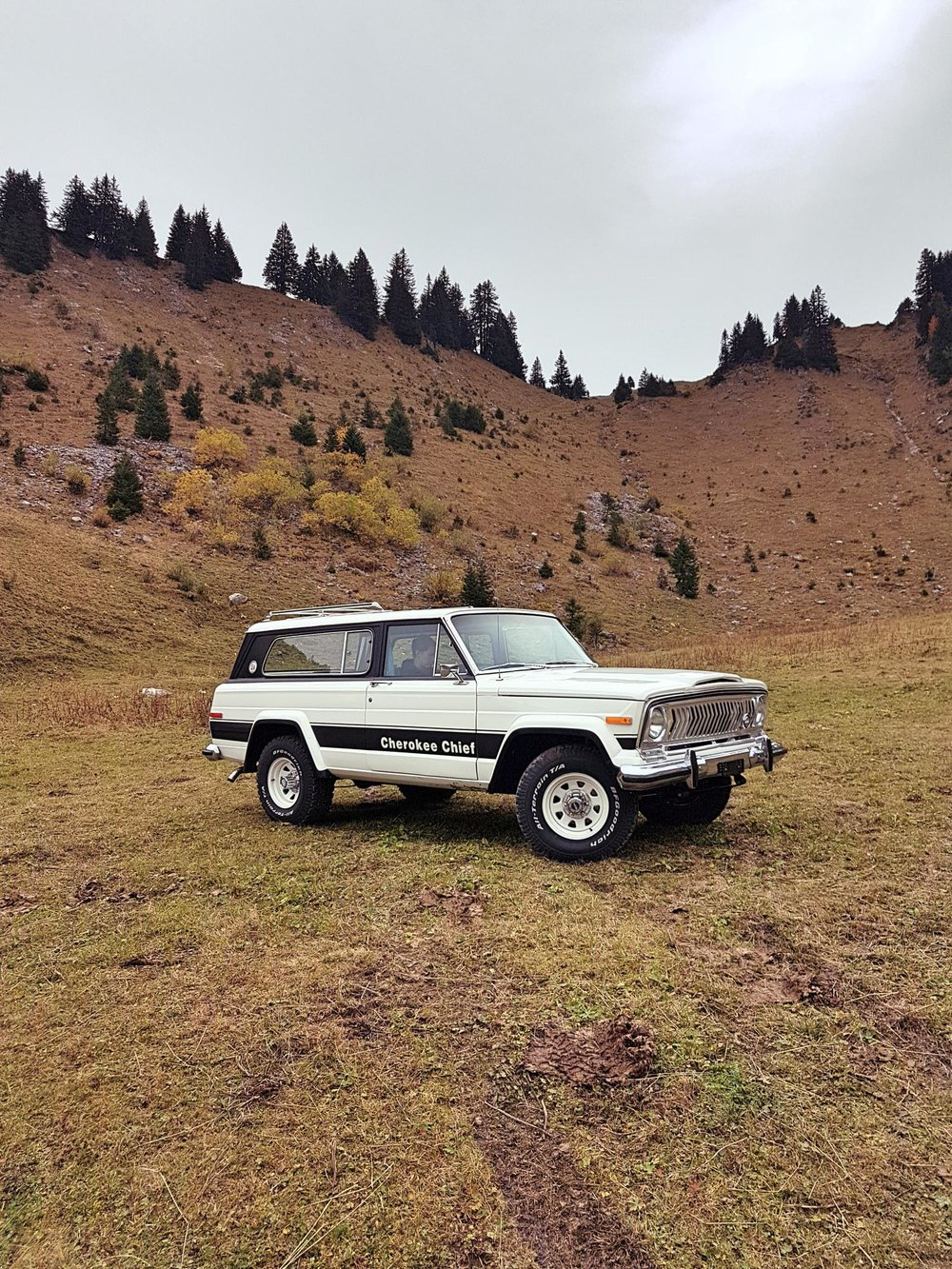 jeep-cherokee-chief-1978-shooting-morgins-switzerland-54.jpg