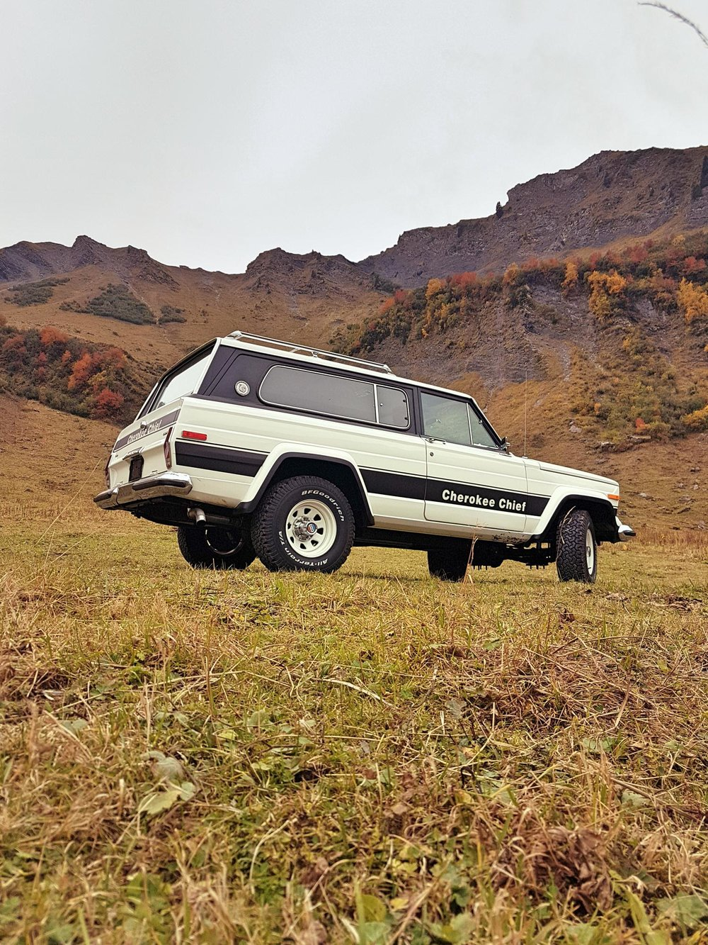 jeep-cherokee-chief-1978-shooting-morgins-switzerland-57.jpg