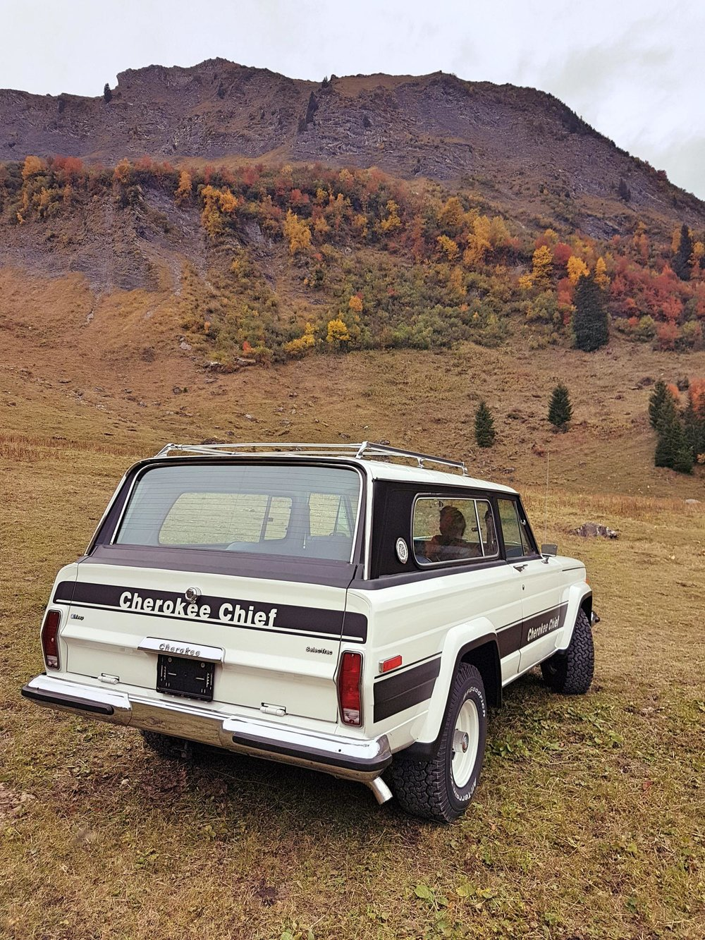 jeep-cherokee-chief-1978-shooting-morgins-switzerland-59.jpg