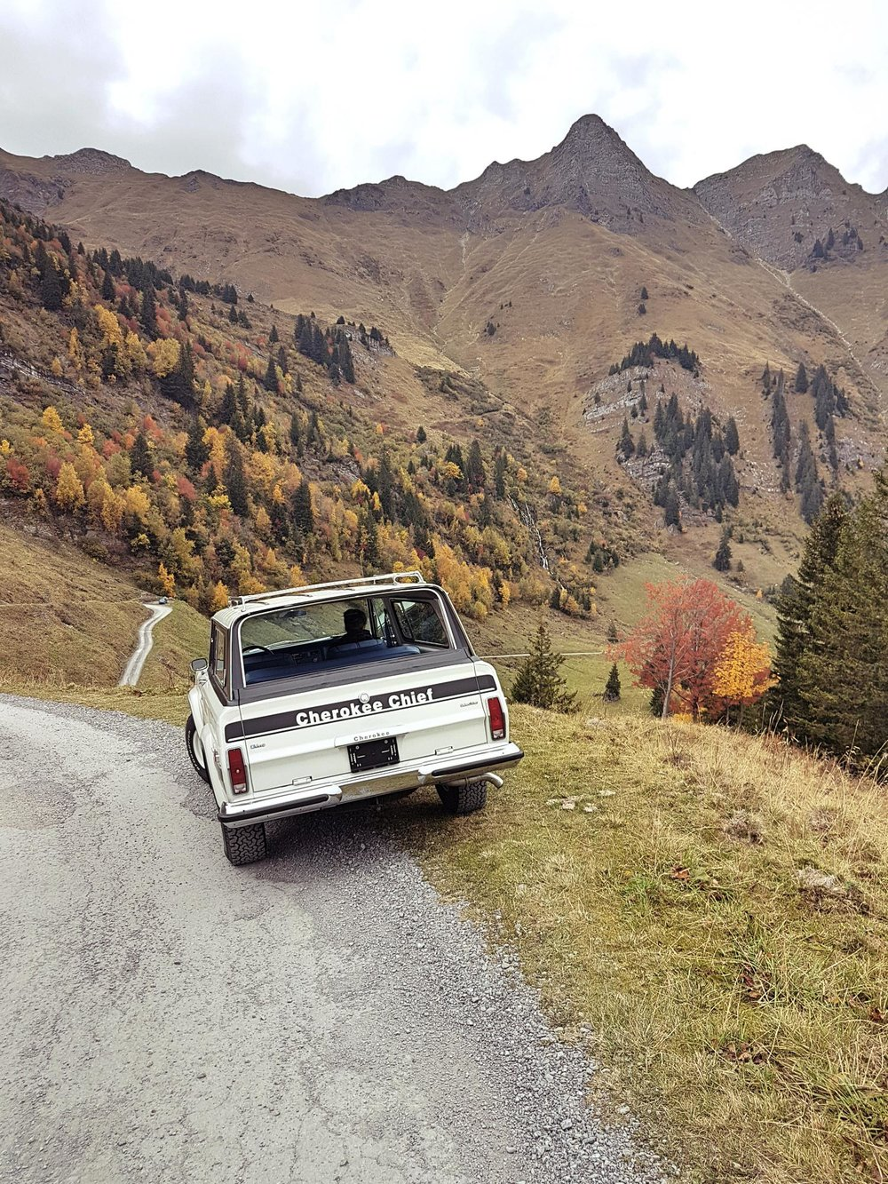 jeep-cherokee-chief-1978-shooting-morgins-switzerland-83.jpg