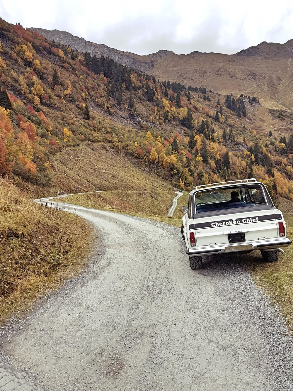 jeep-cherokee-chief-1978-shooting-morgins-switzerland-84.jpg