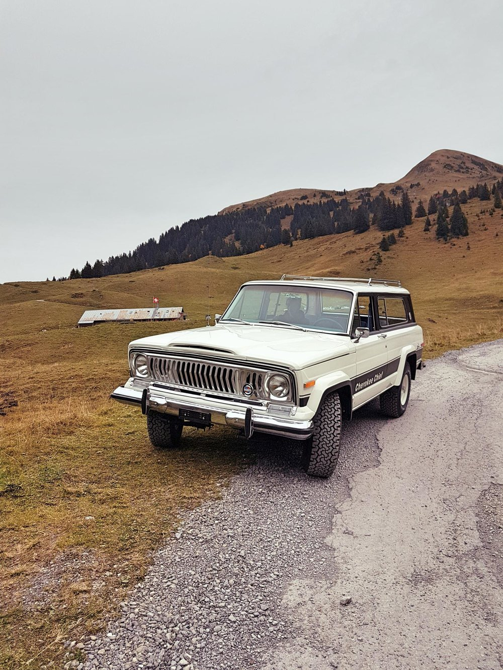 jeep-cherokee-chief-1978-shooting-morgins-switzerland-90.jpg