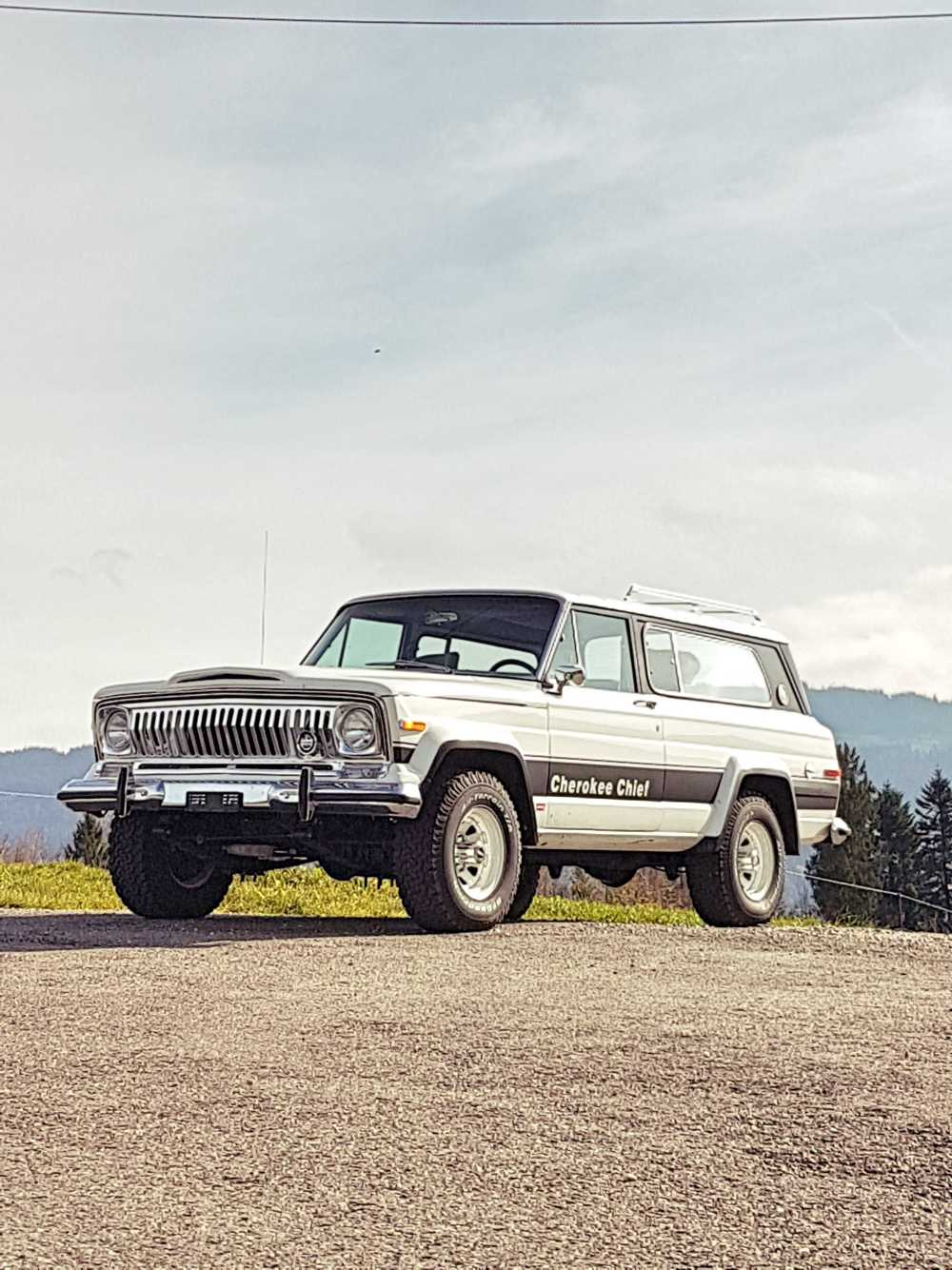 jeep-cherokee-chief-1978-shooting-moleson-6