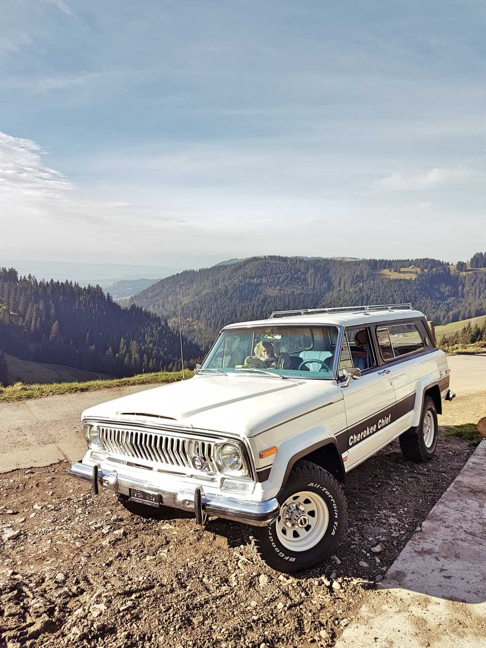 jeep-cherokee-chief-1978-shooting-moleson-50