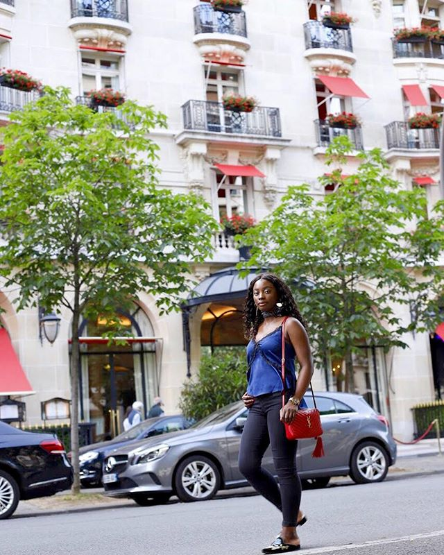 Taking a stroll on Rue Montaigne ⚡️