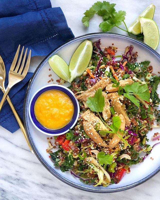 Thai Quinoa Salad, inspired by @ambitiouskitchen, is on Lyra & Jane 🎉 Happy Friday! {link in bio} • • • #quickandhealthy #iamwellandgood #todayfood #buzzfeedtasty #instagood #foodblogfeed #feedfeed #thefeedfeed #lyraandjane #rd #registereddietitian #easyrecipes #asian
