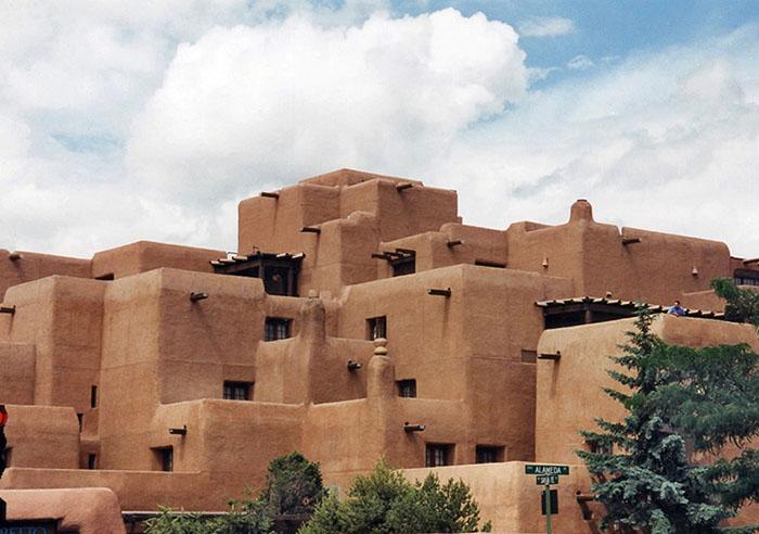 LORETTO HOTEL, DOWNTOWN SANTA FE, NEW MEXICO.