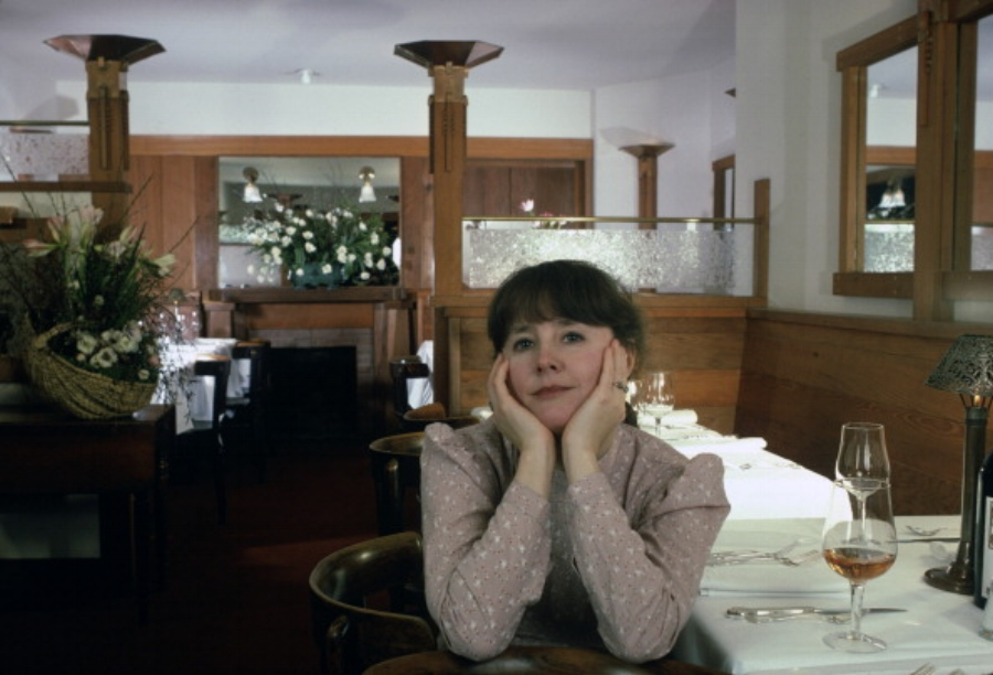Alice Waters inside her restaurant, Chez Panisse, in Berkeley, California. Photo by Susan Wood, 1982.