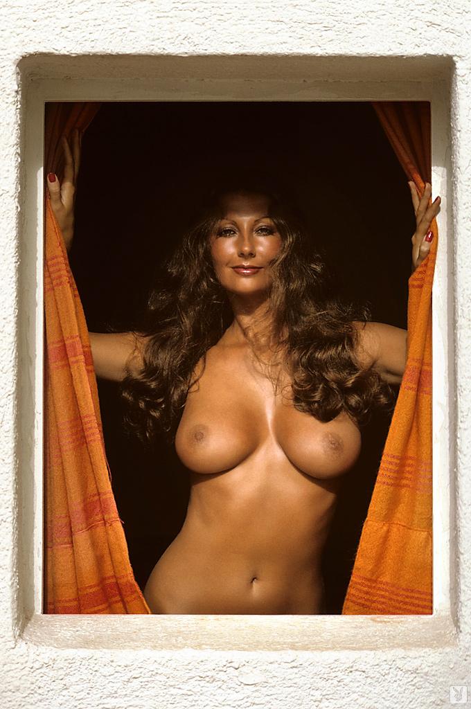 marilyn-cole-1972-retro-playboy-07.jpg