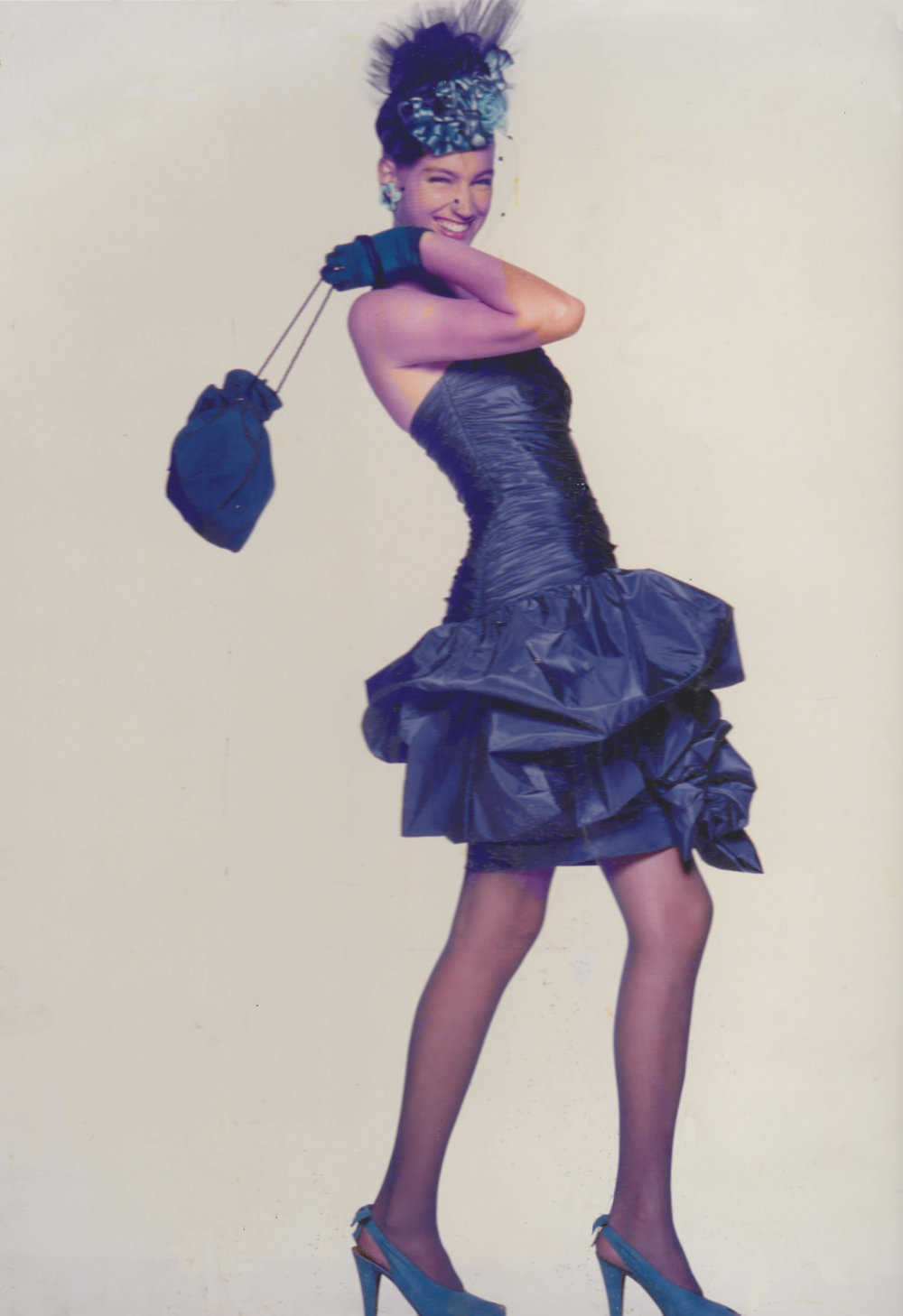 Vicky Tiel originated the pouf dress in 1976, as part of the premier collection for the Vicky Tiel boutique in Henri Bendel's NYC.