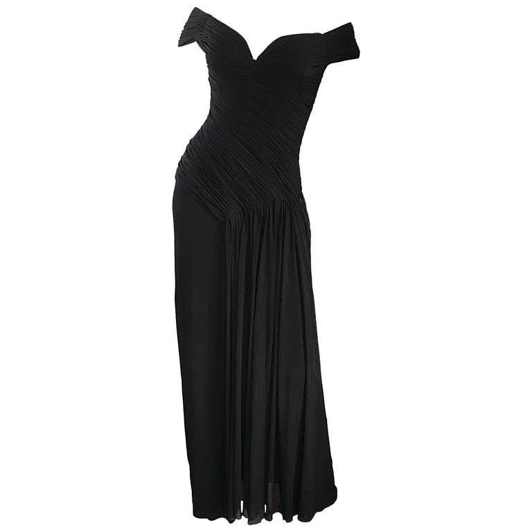 "Julia Robert's Vicky Tiel Couture "" Pretty Woman "" Black Off-The-Shoulder Gown $2,575"