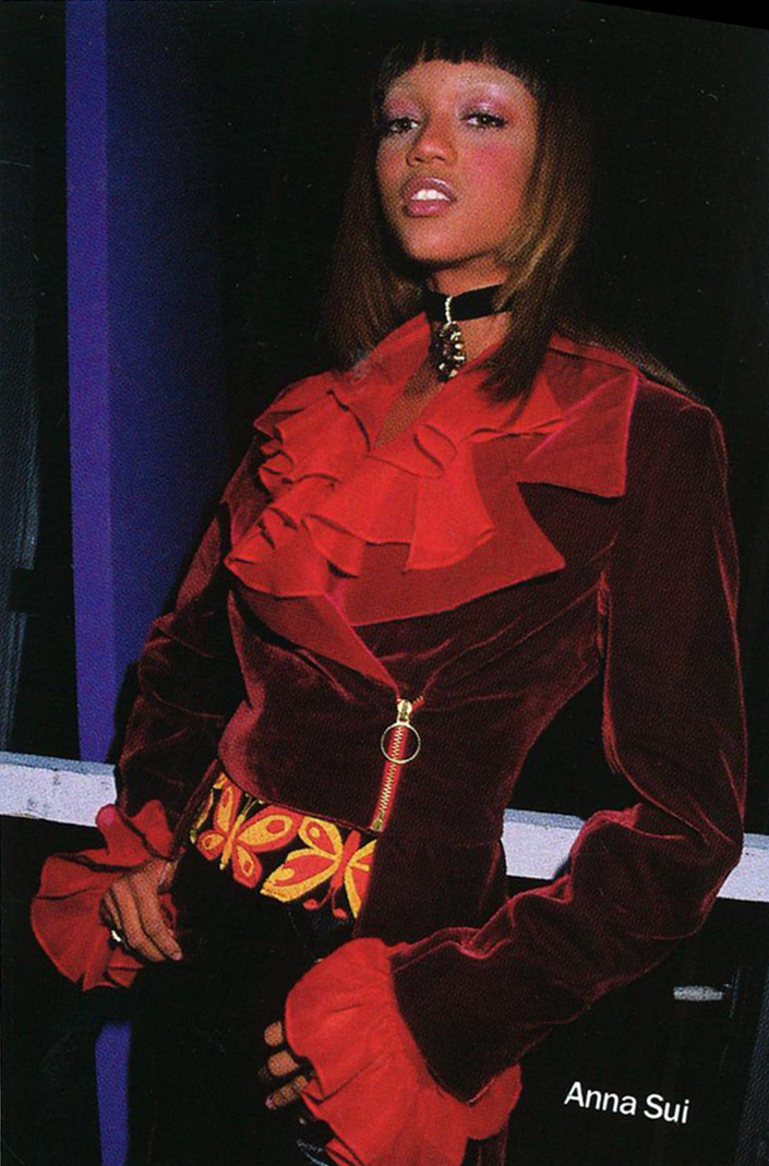 Tyra Banks modeling Sui's f/w 1992 collection.