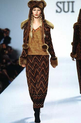 Kirsty Hume modeling in Anna Sui's f/w 1998 collection.