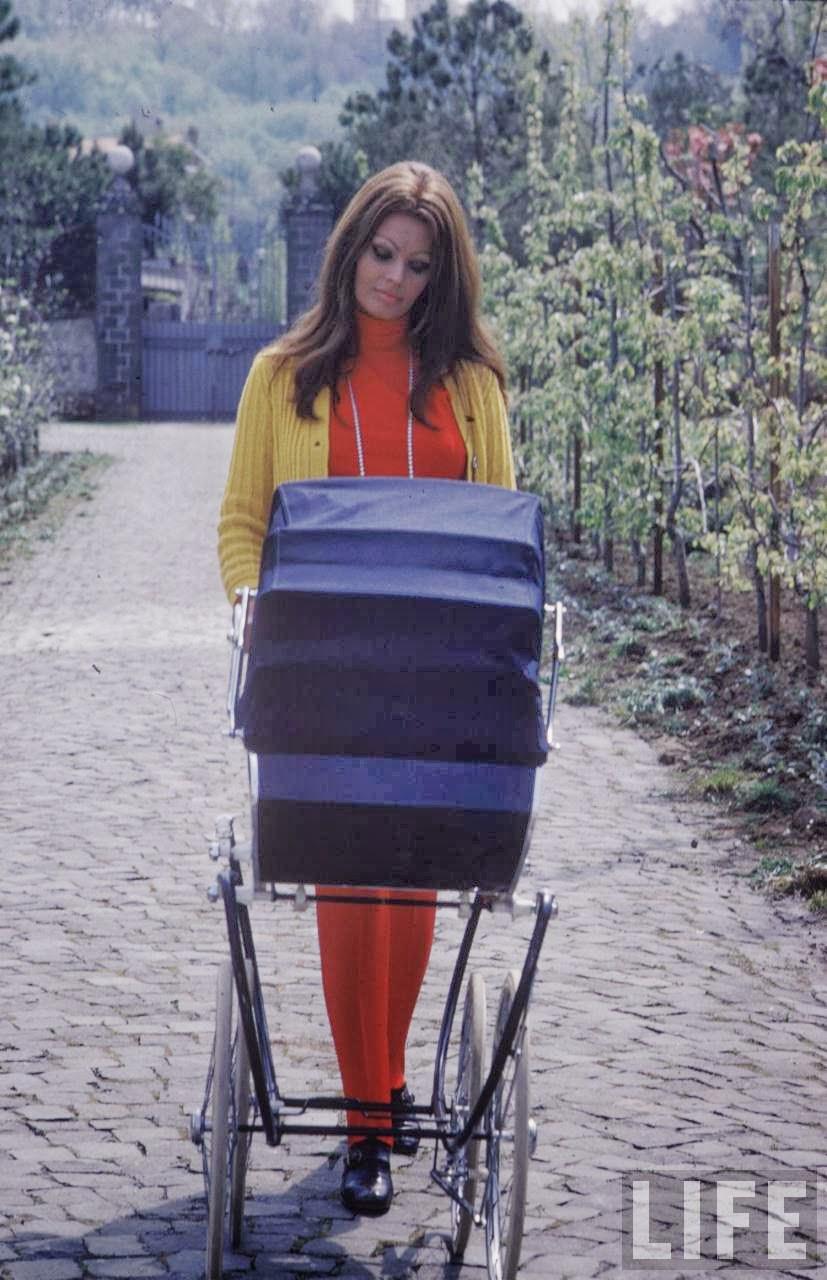 sophia loren and baby 1969 by alfred eisenstaedt_1.jpg
