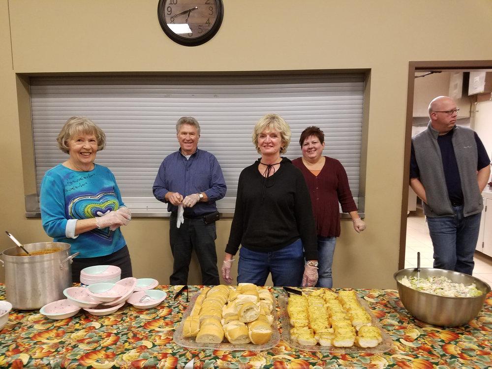 Dinner Volunteers4.jpg