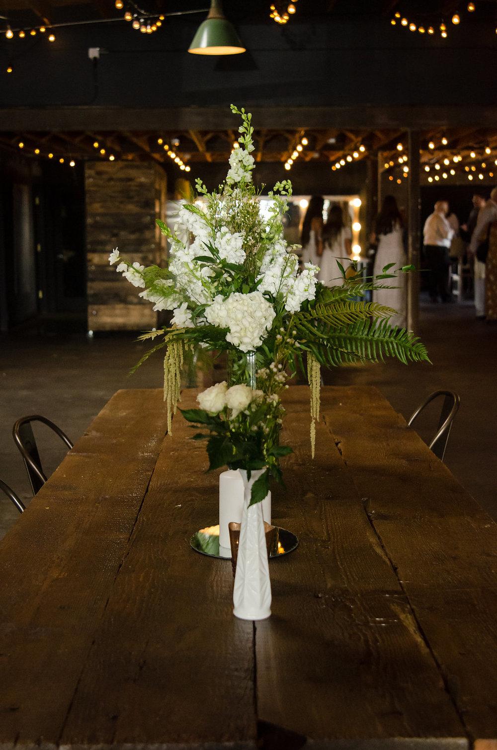 justin-taylor-wedding-table-flowers-sheryl-bale-photography.jpg.jpg