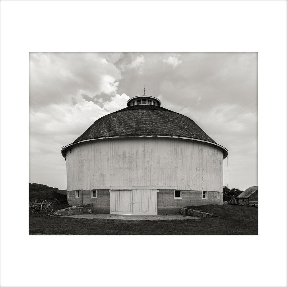 Bert Leedy Round Barn Fulton County, Indiana 2006