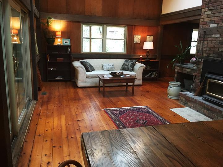 Living Room 3 copy.jpg