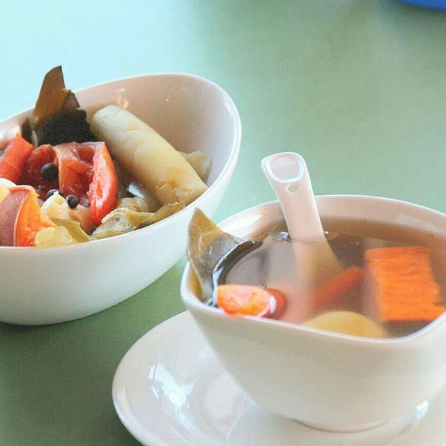 Happy Friday! Stop by this weekend to try one of our #healthy #soups. Each soup is made from a variety of #organic and #fresh ingredients every morning! We hope to see you soon! #montereypark #chinesefood #veggies
