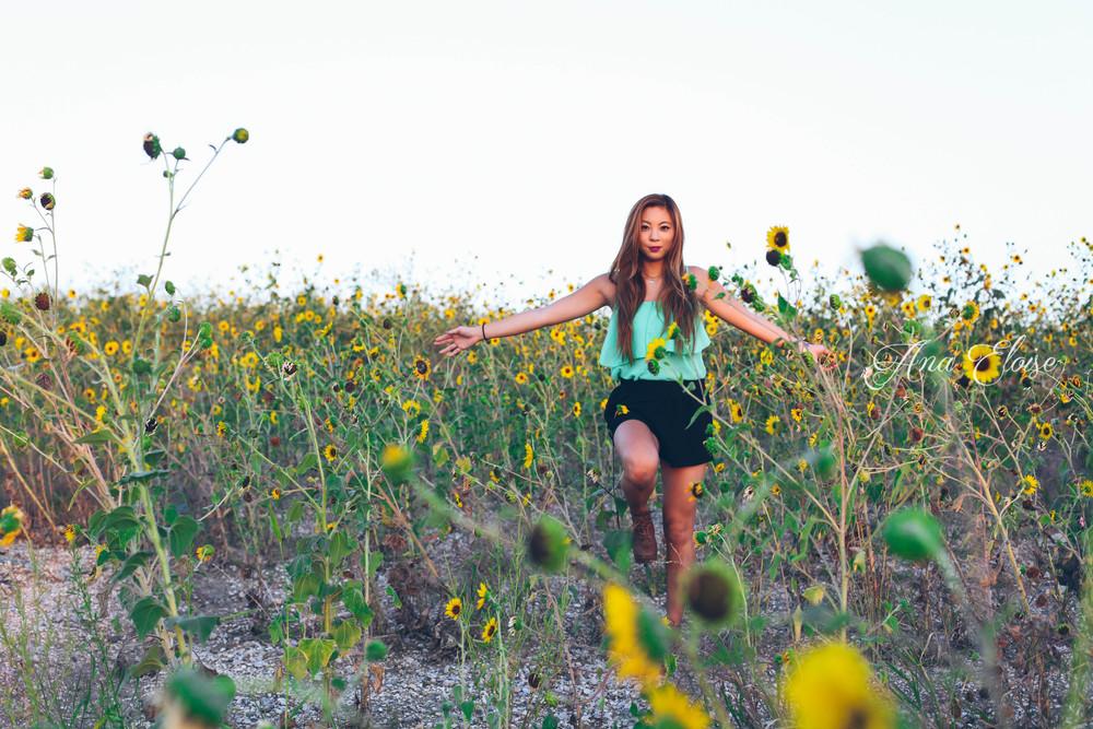 Ana_Eloise_Senior_Photography_24 (1 of 1).jpg