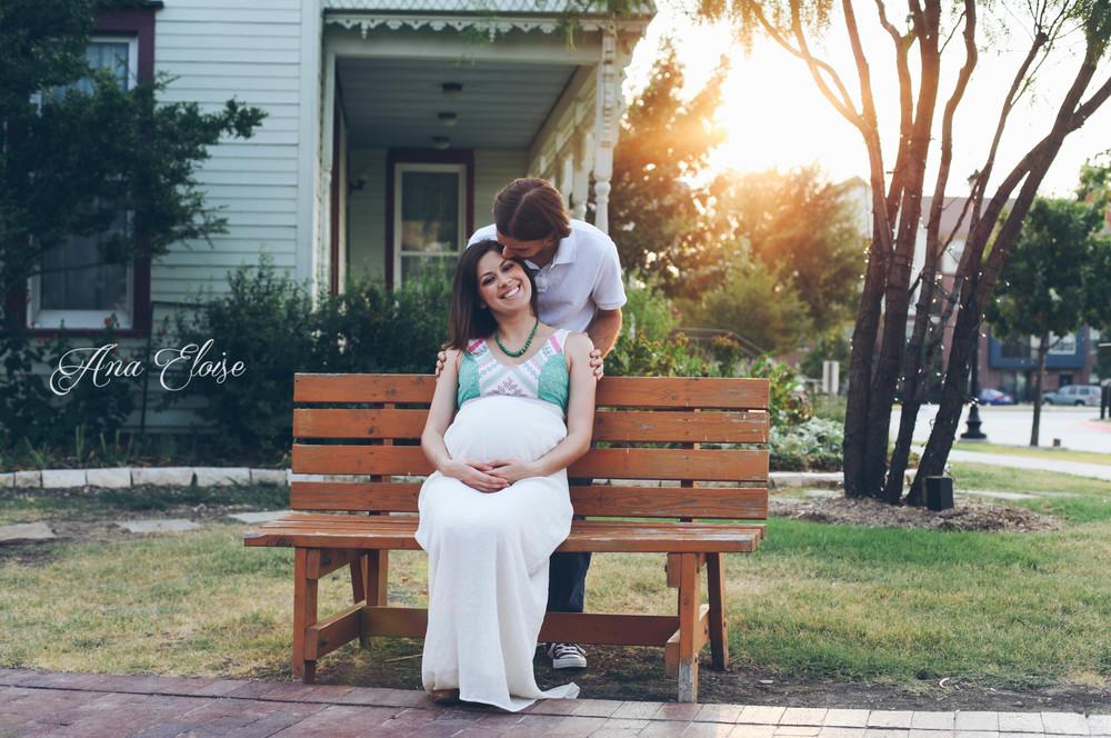 Andrea&Brett_Maternity_14 (1 of 1).jpg
