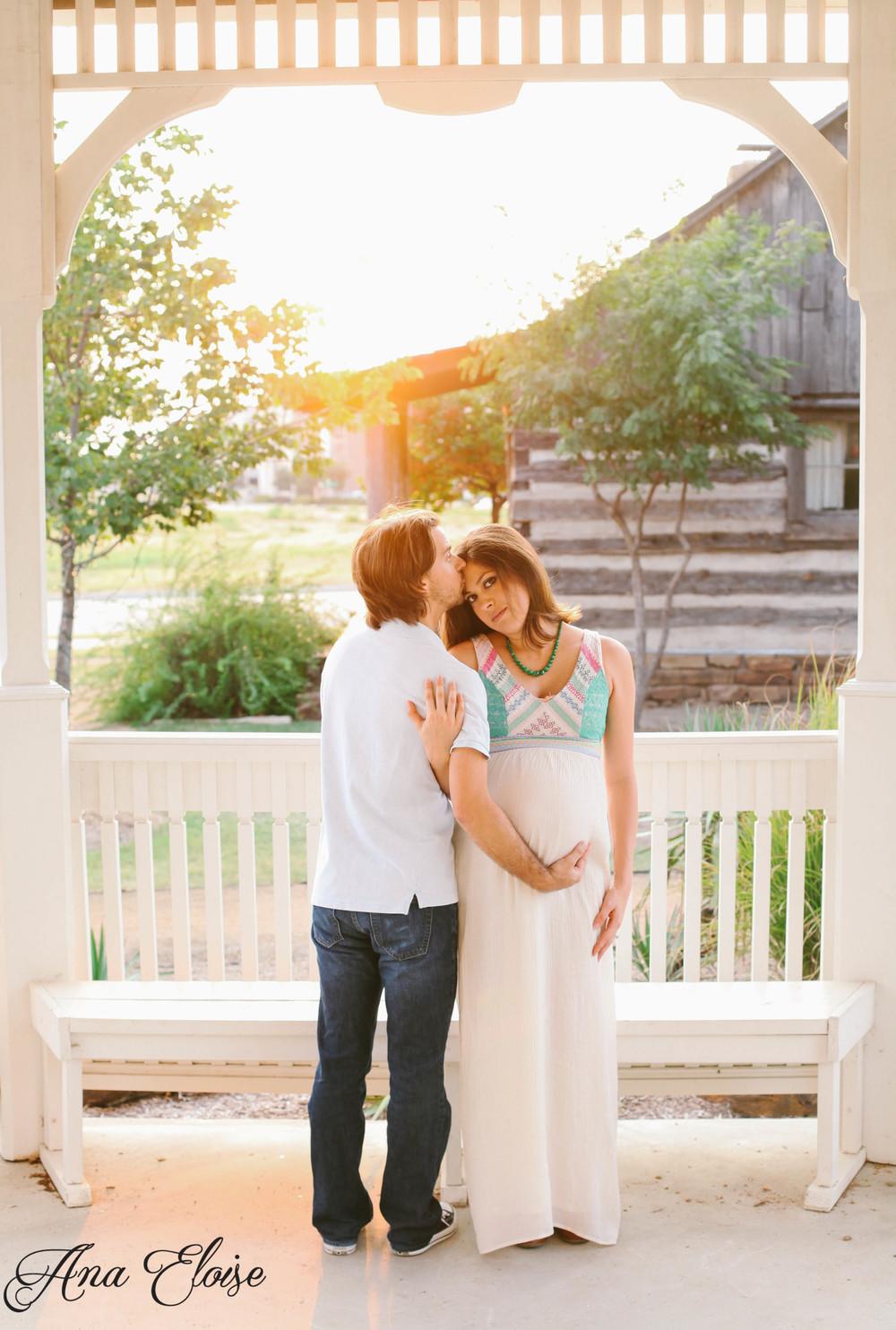 Andrea&Brett_Maternity_24 (1 of 1).jpg