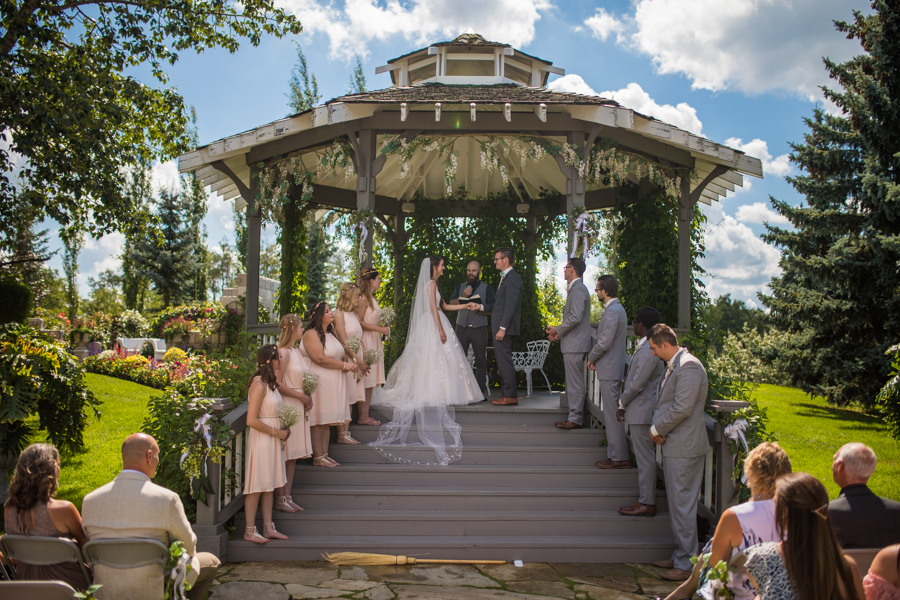 Cole-Hofstra-http-www.colehofstra.com-Alberta-wedding-photographer-Hastings-lake-gardens-Award-winning-albert-photographers-Calgary-wedding-photographer-23.jpg