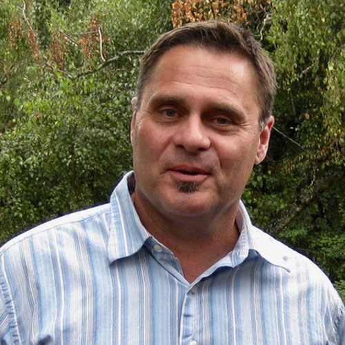 Glenn Schroder Co-Regional Coordinator for Latin America (focusing on Central America) Pastor, Portland Vineyard Church Tigard, OR glenns@vmteam.org