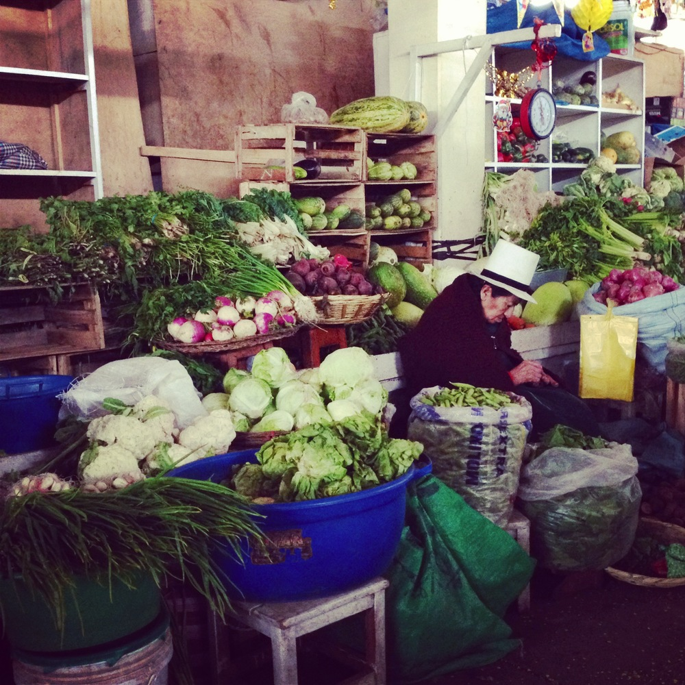 Vegetable stand, market in Cusco Peru - 3 Days*
