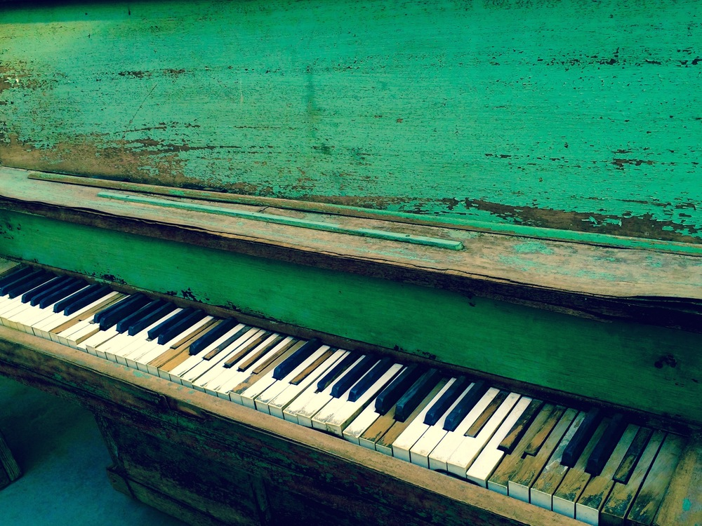 Old Piano at Pappy and Harriet's, Joshua Tree California - 3 Days*