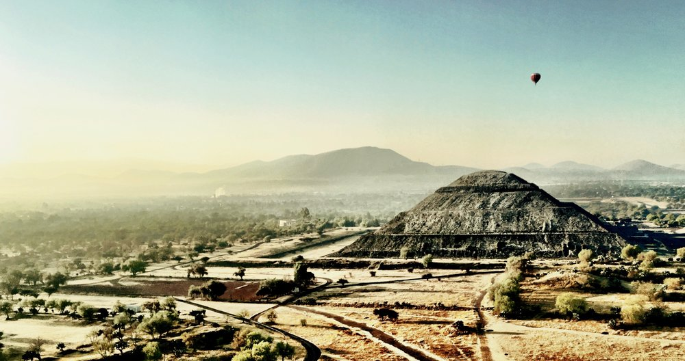 Hot Air Balloon Ride over pyramid complex Teotihuacan, Mexico - 3 Days*
