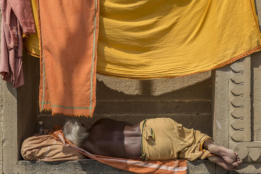 Varanasi, India - resting holy man, 3 Days* - Barbara Huber
