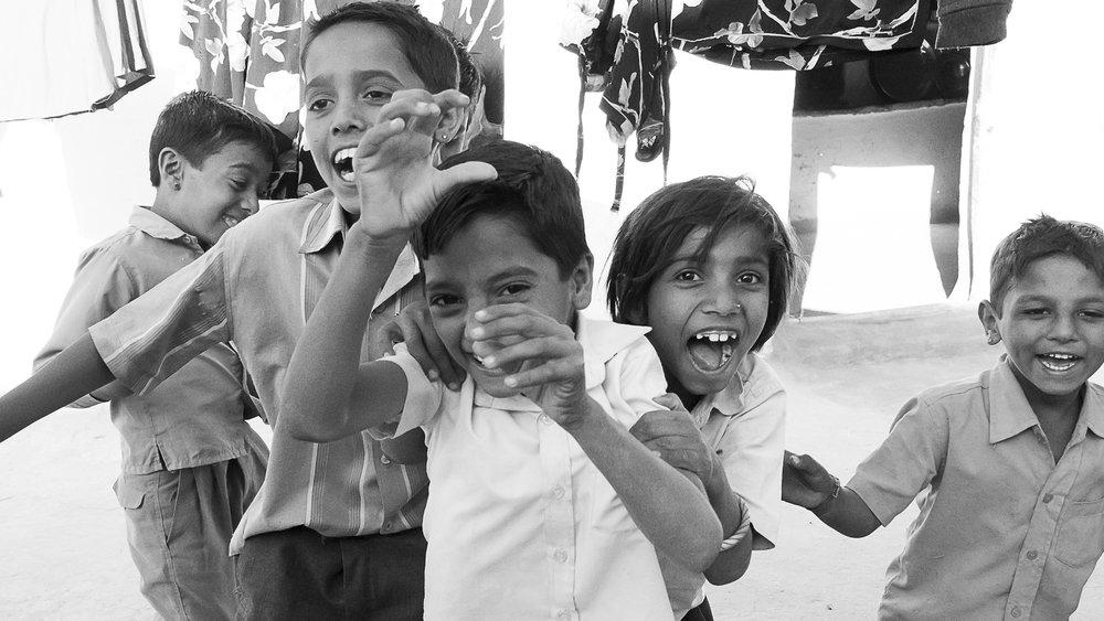 Khuri, a village in the Thar desert, Rajasthan, India - children playing, 3 Days* - Barbara Huber