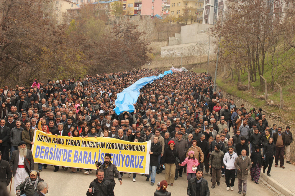 A protest in October, 2009, against the Uzunçayır Dam. Photo By     Akın     Gedik.