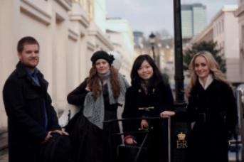 2013: BARTHOLDY QUARTET    Tessa Ho, fiðla                     Lauren Fordner, fiðla               Ricardo Gaspar, víóla               Guðný Jónasdóttir, selló