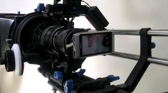 La vidéo avec un smartphone n'est pas là pour remplacer une production professionnelle mais être plus spontanée, rapide et simple. crédit photo regmedia.co.uk