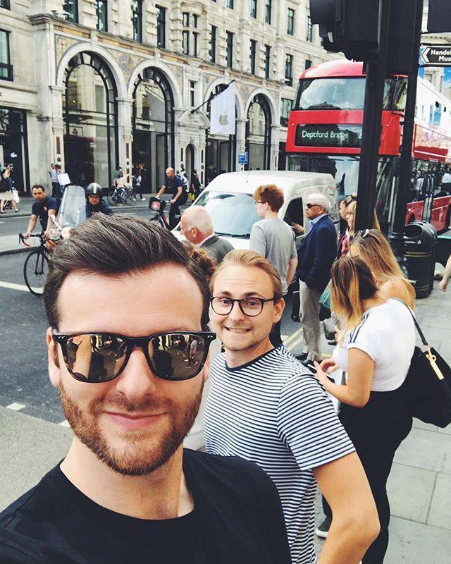 Männertrip in London!!! Sind mal kurz checken, ob die das mit dem Brexit wirklich ernst meinen 😏😎 #männertrip #london #mussauchmalsein