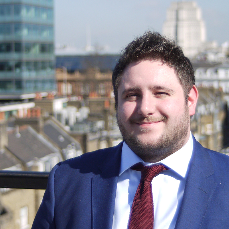 OLIVER ASHWORTH - PAYROLL & HR MANAGER