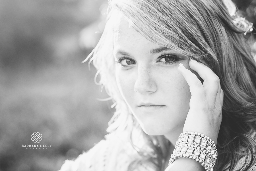 Best Country Girl Senior Pictures in Southwest Missouri