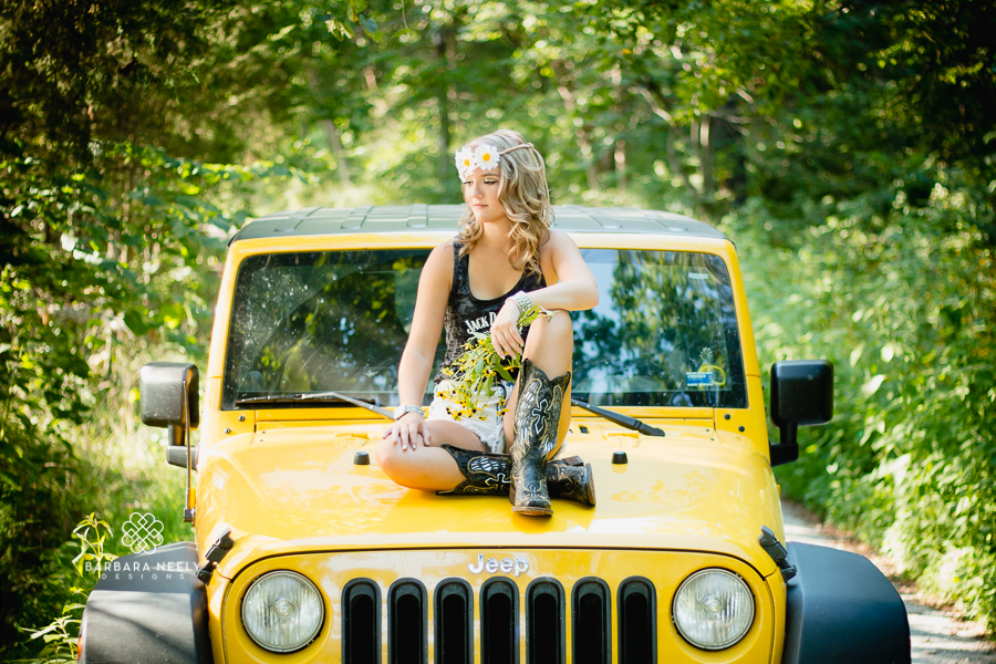 Best Country Girl with a Jeep Senior Pictures in the Ozarks