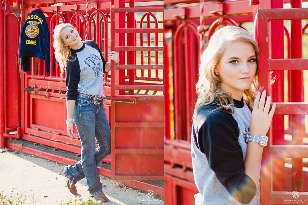 fun country FFA senior pictures in Southwest Missouri.jpg