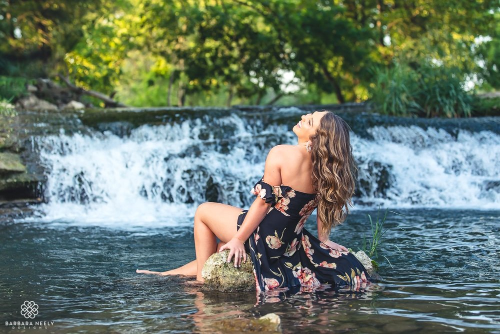 gorgeous senior pictures in a little creek waterfall_ 6370.jpg