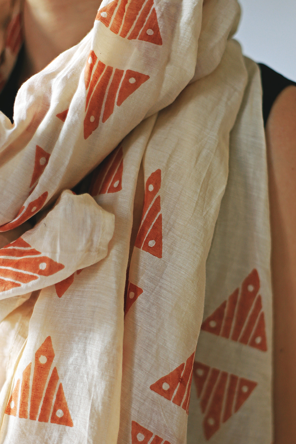 Triangles usually denote rice sheaves or man made daggers and sharp teeth, protecting the person with this cloth. The spectacularly bold motif is designed by Anya Lim from Anthill Fabric Gallery as part of the Then&There edition. Its geometrical, angular rhythm is inspired by the Philippines' namesake as the Sunshine Nation, the rays on the sun in the national flag and carvings on a local gong called Kulintang.