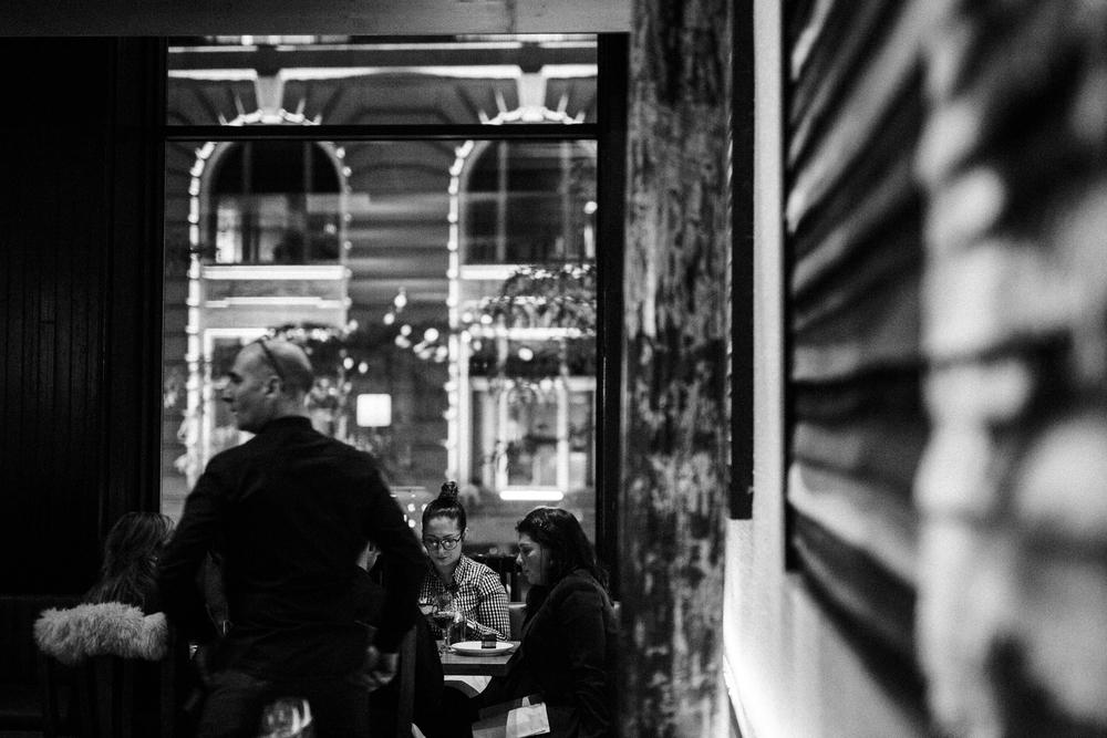 ....Late night menu at Ikanos..Menu fin de soirée chez Ikanos....